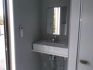 トイレ用トレーラーハウス3