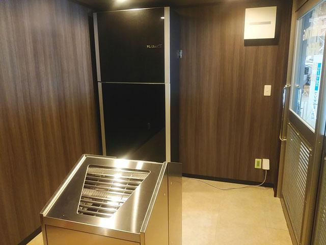 喫煙用トレーラーハウス設置例6