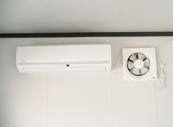 エアコン換気扇付き